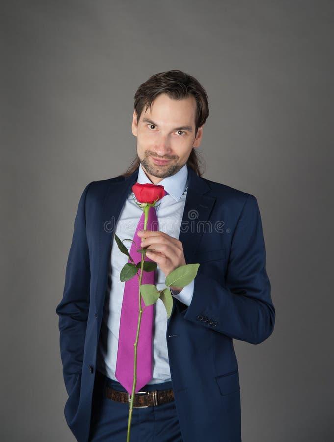 Amante con il fiore fotografie stock libere da diritti