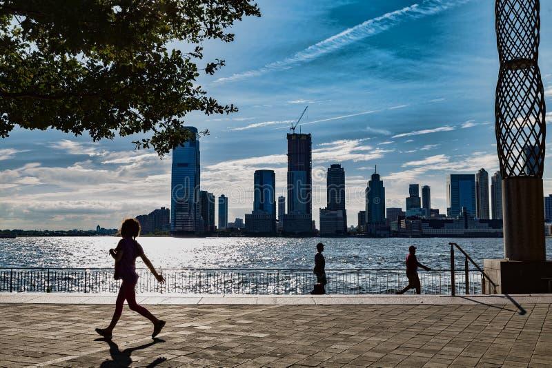 Amante manhattan com o Rio Hudson foto de stock royalty free