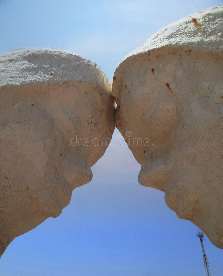 Amante nella scultura del sale della tenuta immagine stock libera da diritti