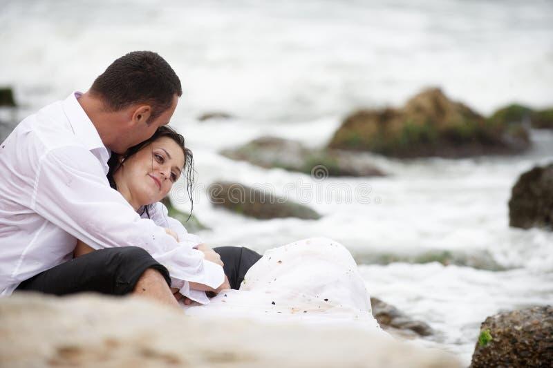 Amantes do verão (retrato dos pares) fotos de stock royalty free
