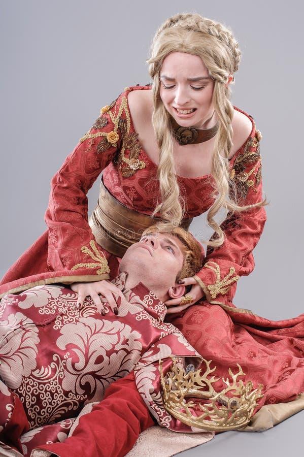 Amantes medievales imagen de archivo
