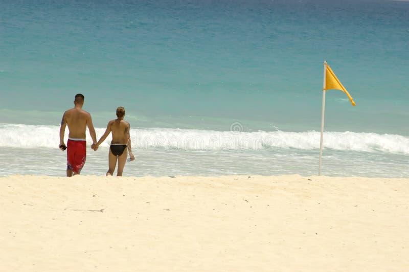 Amanti alla spiaggia immagini stock libere da diritti