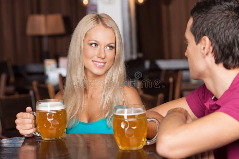 Amanti della birra immagini stock