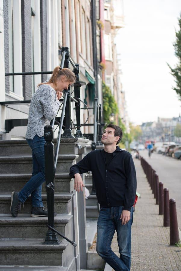 Amants à Amsterdam image libre de droits