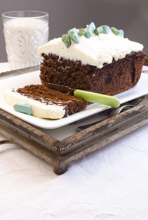 Amarant-Schokoladenkuchen-Schokoladen-Kuchen lizenzfreie stockfotografie