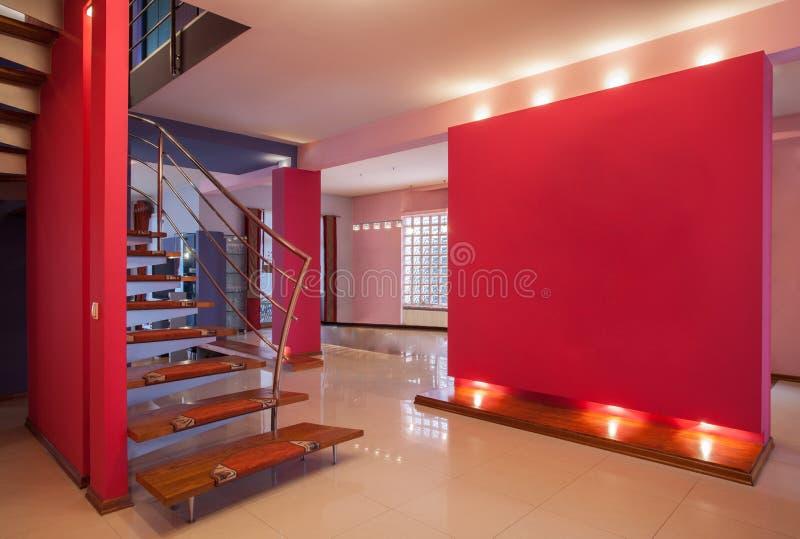 Amarantu dom - korytarz fotografia royalty free