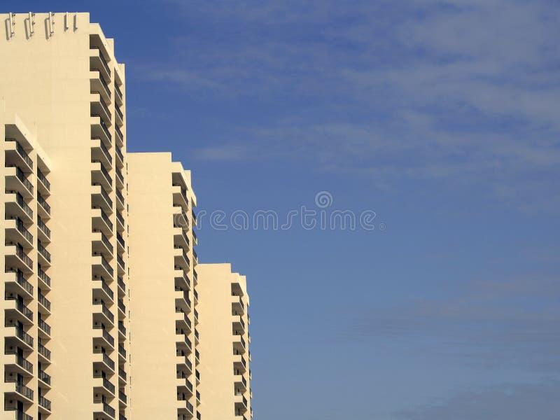 Download Amarelo foto de stock. Imagem de florida, complexo, apartamentos - 539060