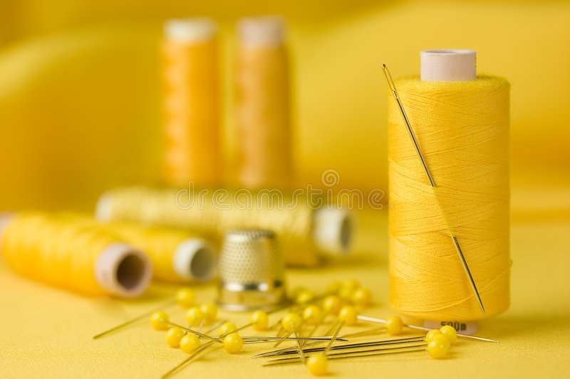 Amarelo Sewing