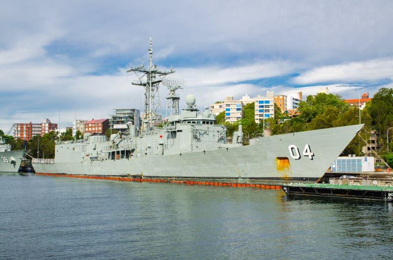 A amarração da navio de guerra em bases da frota principal da marinha australiana real CORREU estabelecimentos e as facilidades a fotografia de stock royalty free