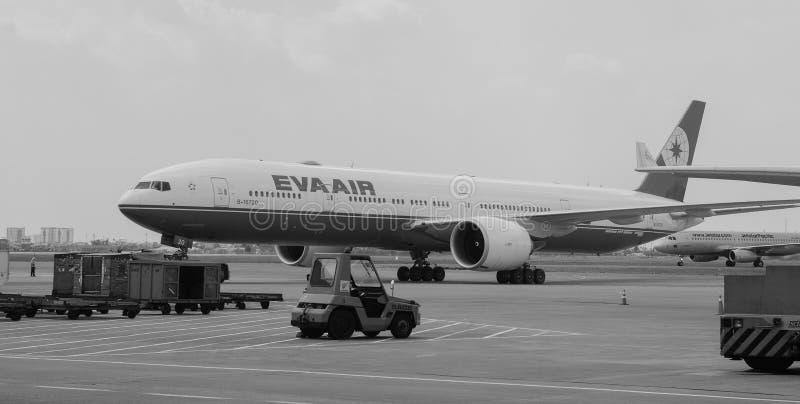 Amarrage d'Eva Air chez Tan Son Nhat Airport, Saigon, Vietnam photo libre de droits
