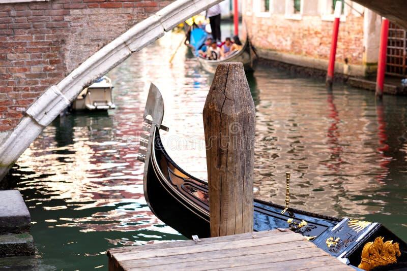 Amarrage de gondole à Venise images stock