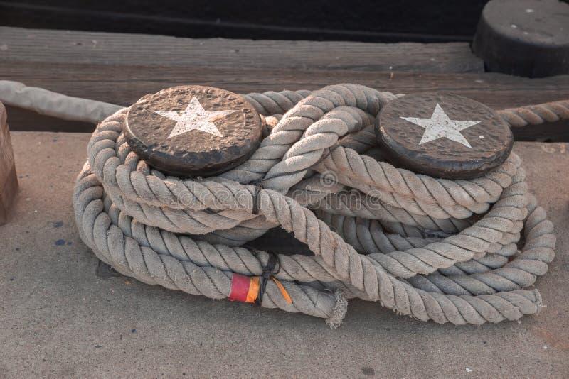 Amarre náutico del nudo de la cuerda de Martime fotografía de archivo