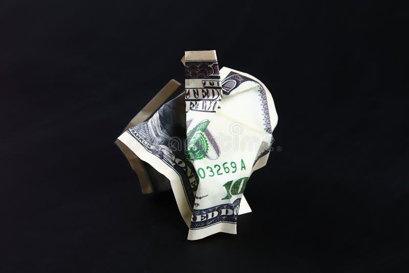 Amarrotado cem dólares americanos O colapso do dólar devaluation Moeda de queda imagem de stock