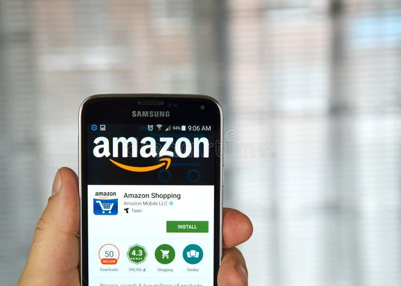 Amason app på en mobiltelefon arkivfoto
