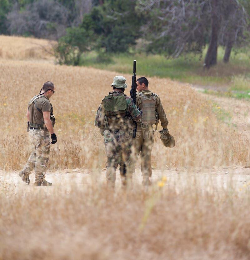 Amatörmässiga soldater för krigare för sportkonkurrens royaltyfri foto