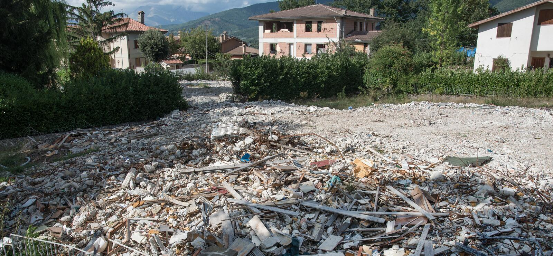 Amatrice - l'Italie, blocaille due au tremblement de terre le 2016 photographie stock
