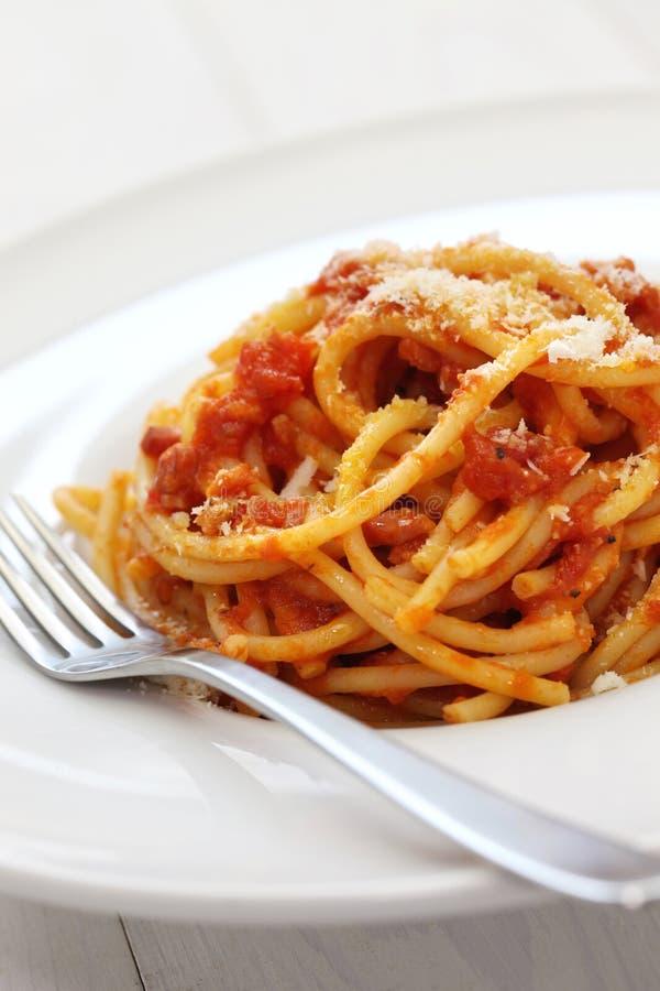 Amatriciana, cocina italiana de las pastas fotos de archivo libres de regalías