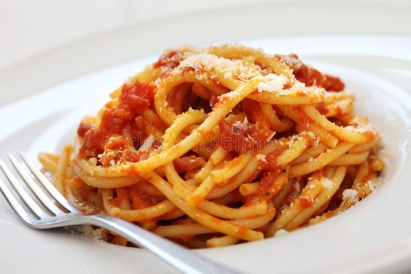 Amatriciana, cocina italiana de las pastas foto de archivo libre de regalías