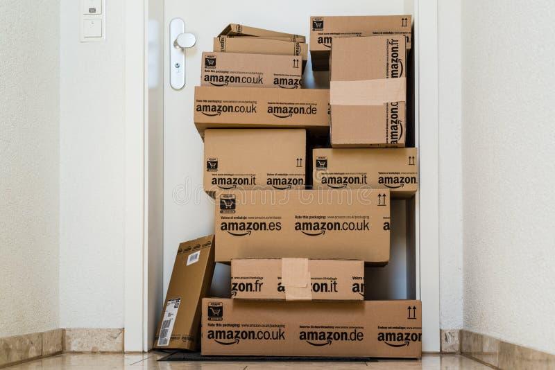 amazon entrega de COM imagen de archivo libre de regalías