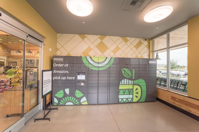 b47d94c5d1bbd Amazon Locker Self-service Parcel Delivery, Pickup At Whole Food ...