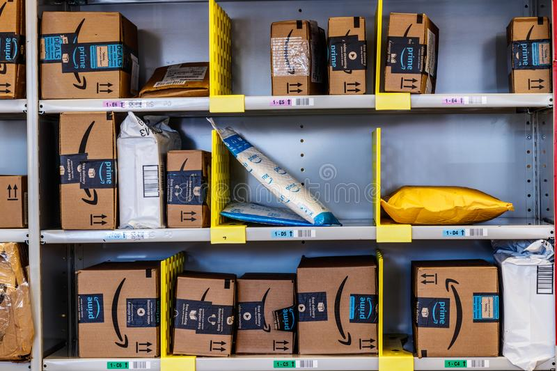Lafayette - Circa February 2018: Amazon Store at Purdue. A brick-and-mortar store customers can receive products from Amazon.com stock photos