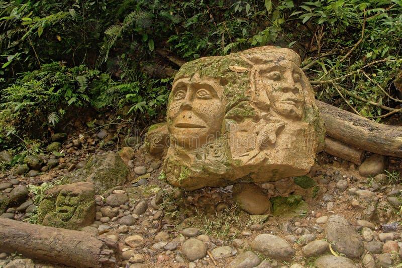 Amazonas-Regenwald-indisches Stamm-Schnitzen lizenzfreie stockbilder