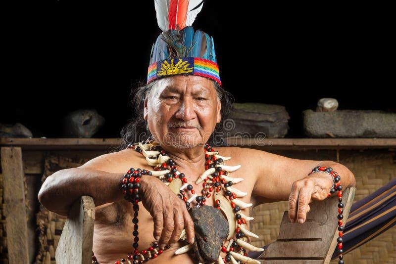 Amazonian szamanu portret zdjęcia stock