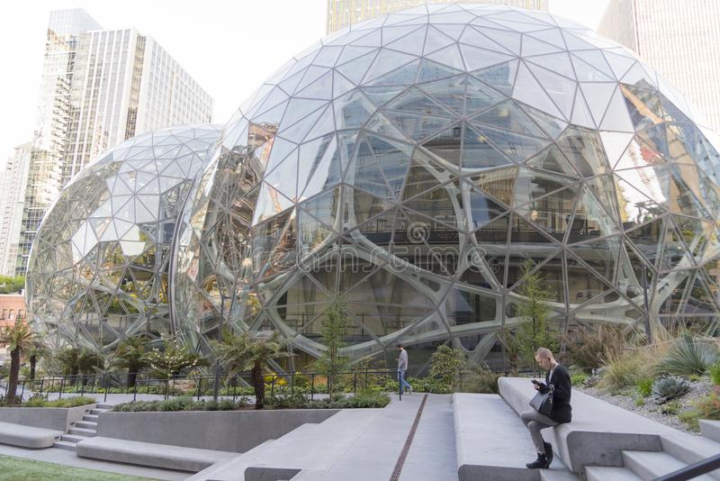 Amazonka świat Lokuje sfery z pracownikiem zdjęcia royalty free