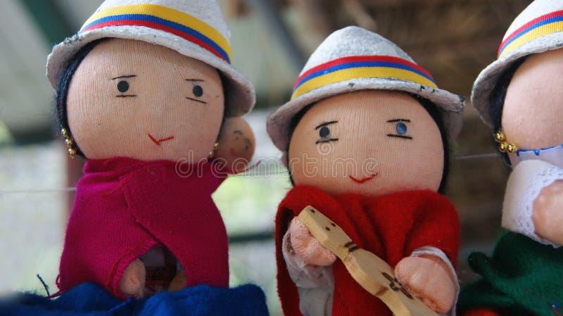 Ambachtpoppen gekleed in typisch kostuum van de inheemse mensen van de provincie van Chimborazo royalty-vrije stock fotografie