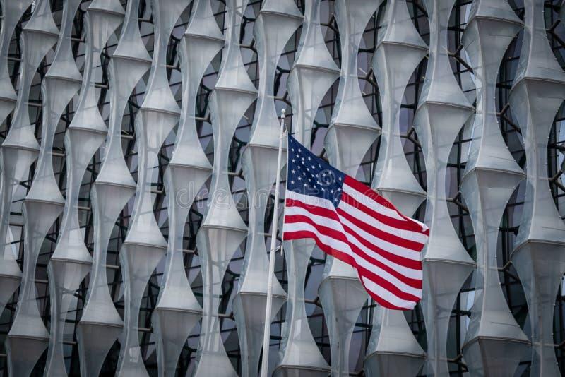 Ambasciata in nove olmi, Londra degli Stati Uniti fotografia stock libera da diritti