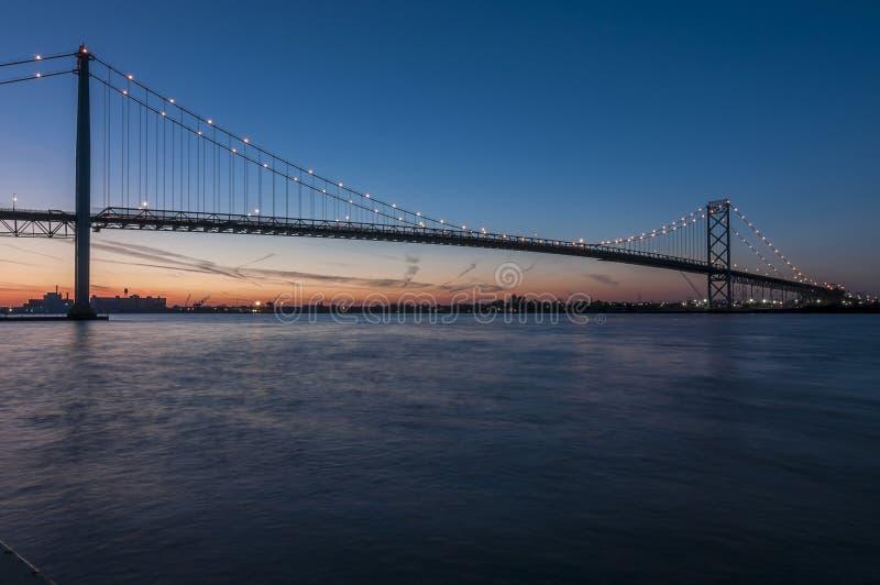 Download Ambassadörbro arkivfoto. Bild av cityscape, vatten, horisont - 27278542