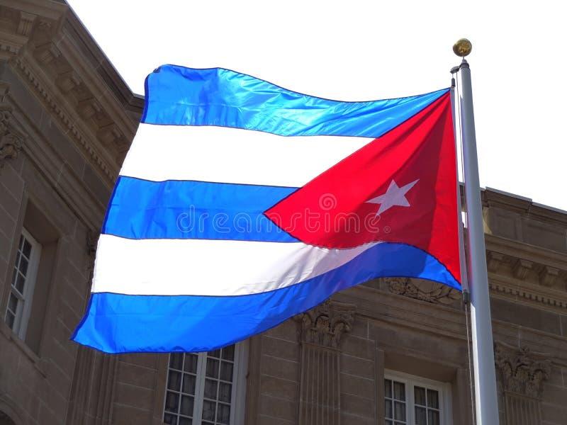 Ambassade de drapeau du Cuba images stock