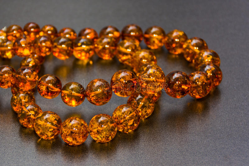 Amber Necklaces In Close op mening, royalty-vrije stock foto