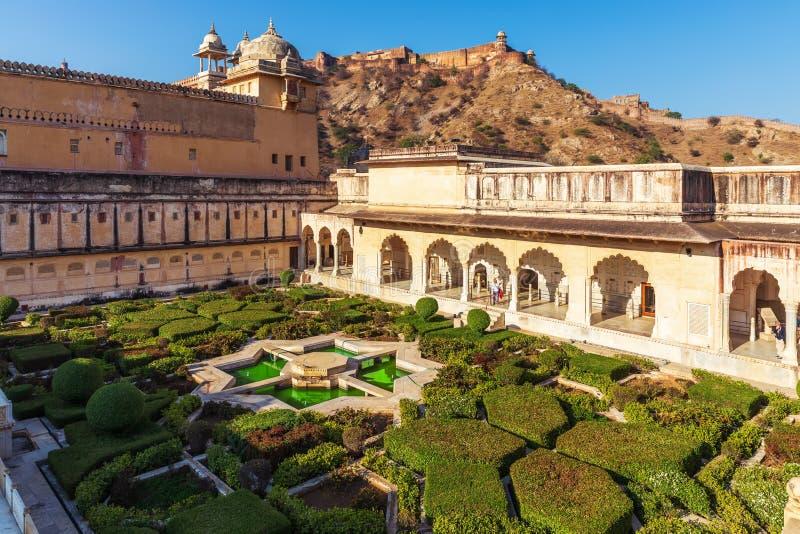 Amber Sheesh Mahal Garden em Amber Fort, Jaipur, Índia imagem de stock