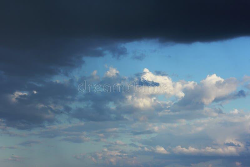 Ambiti di provenienza delle nuvole di tempesta fotografie stock