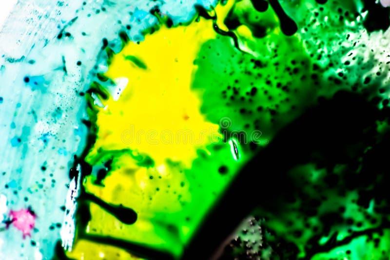 Ambiti di provenienza variopinti con i colori primari che si mescolano insieme colori luminosi e forte contrasto fra loro Fondo v fotografie stock libere da diritti