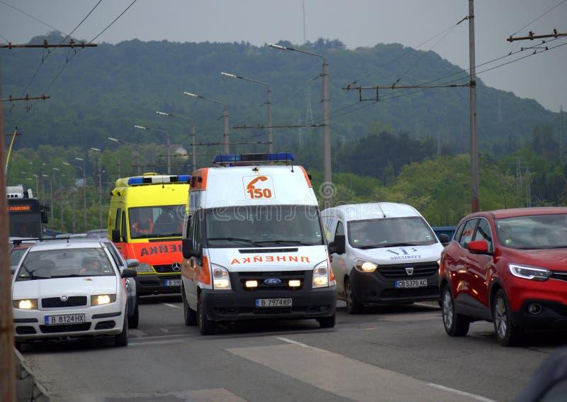 Ambulâncias no tráfego fotografia de stock