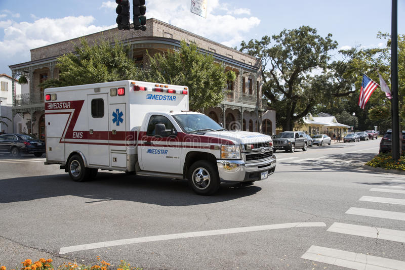 Ambulancia en un reclamo de la emergencia fotos de archivo libres de regalías