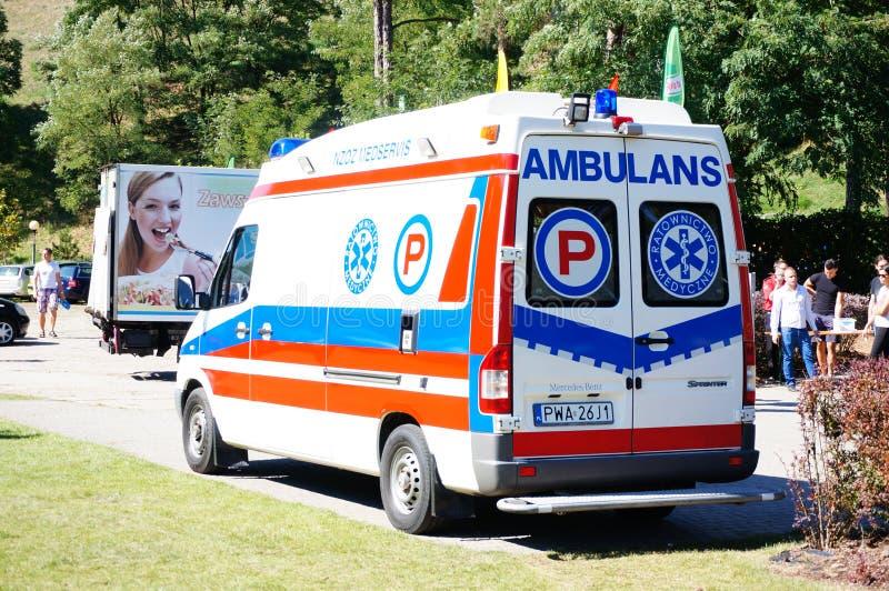 Ambulancia que espera fotos de archivo