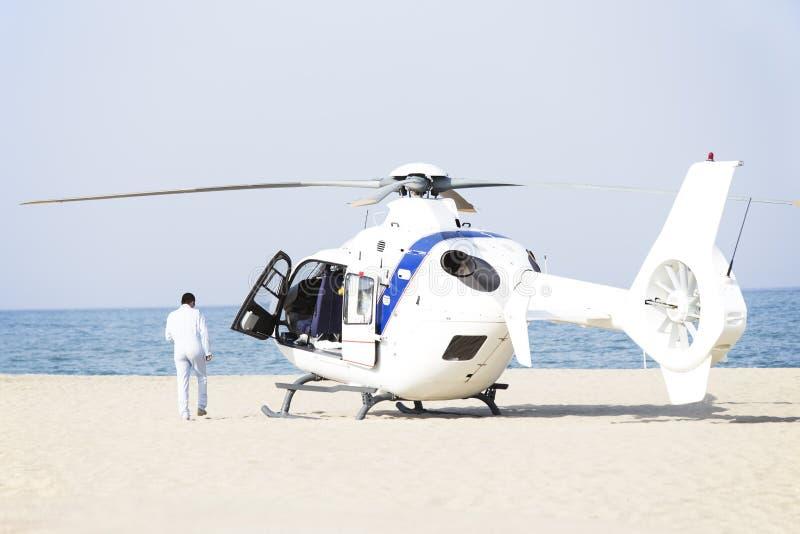 Ambulanshelikopter royaltyfri foto