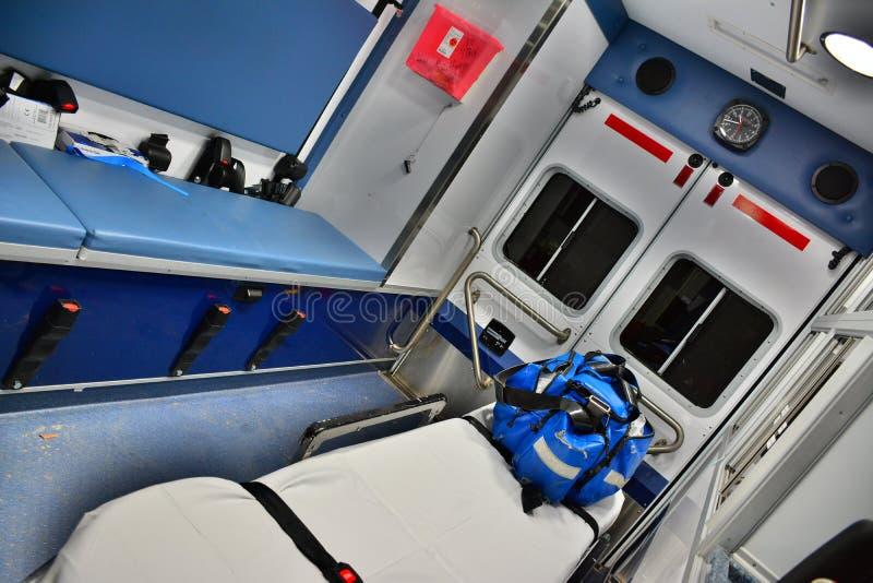 Ambulanza del corpo dei vigili del fuoco, interna immagine stock