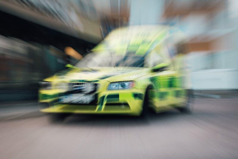 Ambulanza nel movimento immagini stock