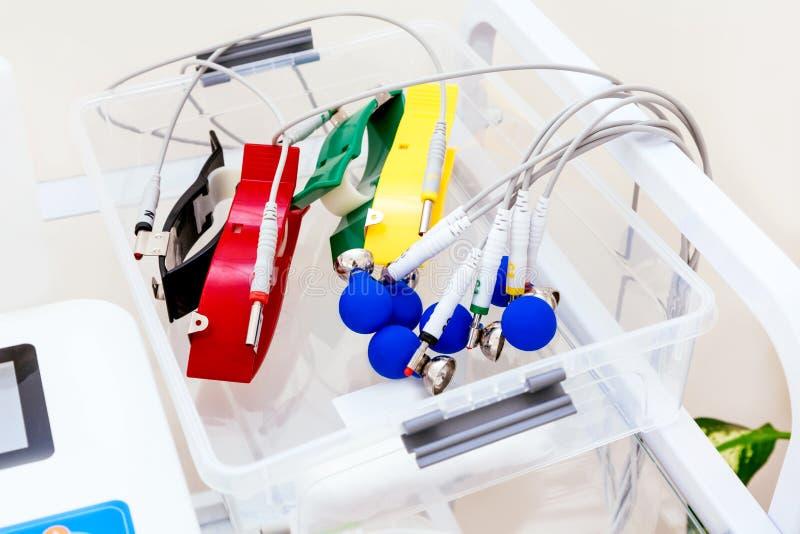 Ambulatorio dell'elettrocardiogramma di frequenza cardiaca della macchina del cardiografo dell'elettrocardiografo di analisi dell fotografia stock libera da diritti