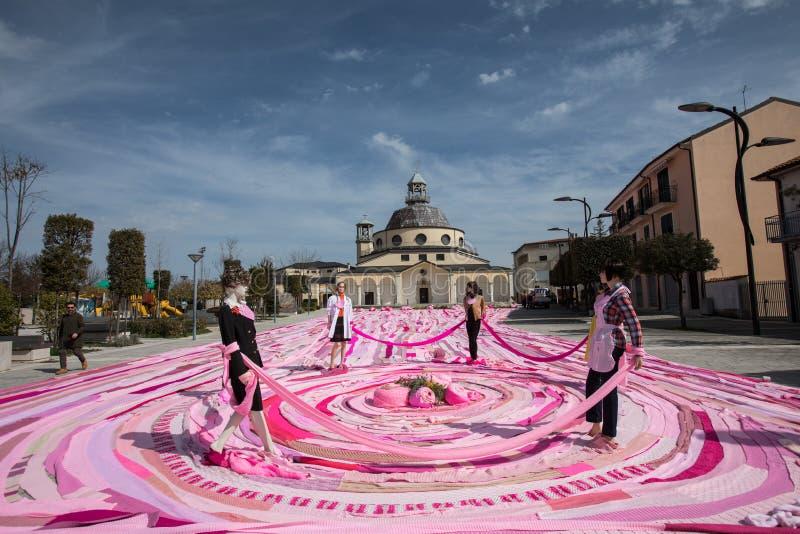 Amdos Guinness dokumentacyjny długi różowy szalik zdjęcie stock