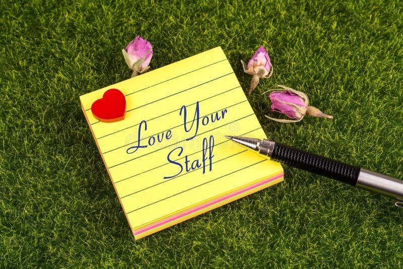 Ame sua nota do pessoal foto de stock