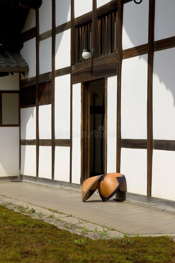 amegasa kapeluszy japończyka deszczu słomiany świątynny jard fotografia royalty free