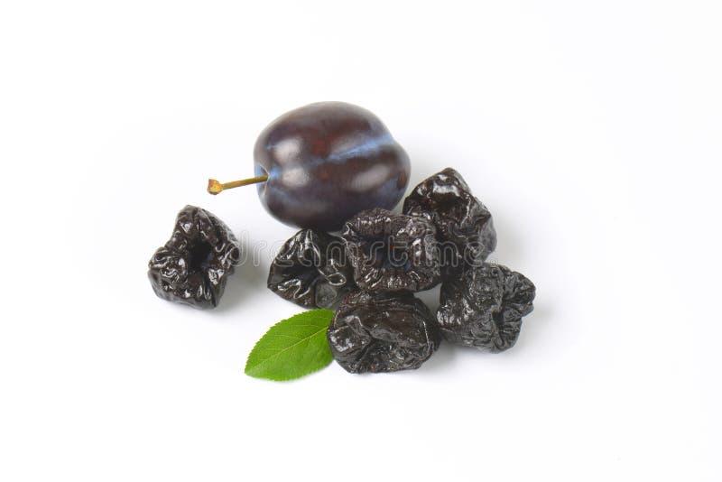 Ameixas secadas (ameixas secas) imagem de stock royalty free