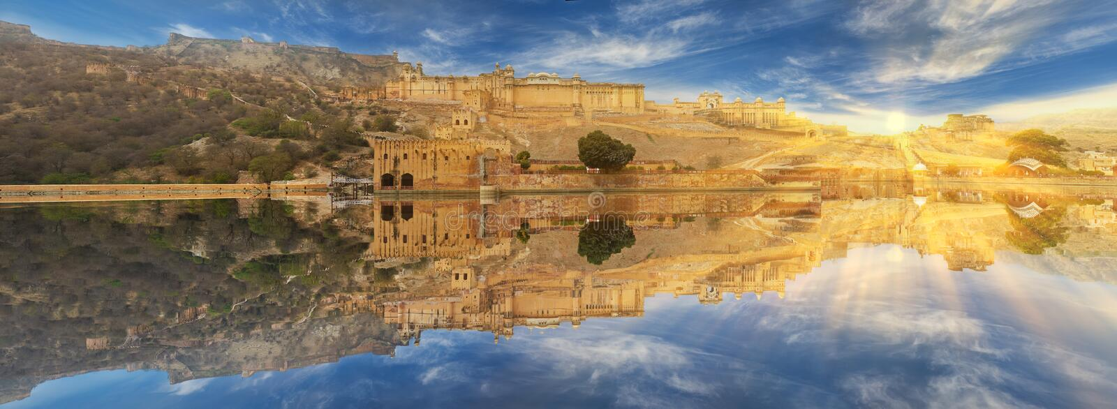 Amer Fort wordt gevestigd in Amer, Rajasthan, India royalty-vrije stock afbeelding