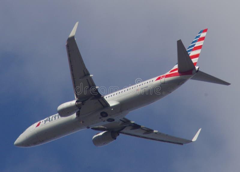 American Airlines 737-823 aviões gêmeos do motor fotografia de stock