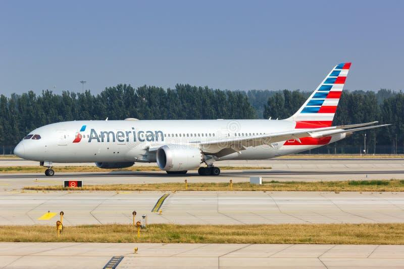 American Airlines Boeing 787-8 Avião Dreamliner Aeroporto de Pequim fotos de stock royalty free